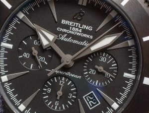 The 46 mm fake Breitling Superocean Héritage Chronoworks SB0161E4 watches have black dials.