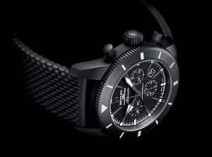 The comfortable copy Breitling Superocean Héritage Chronoworks SB0161E4 watches have black rubber straps.