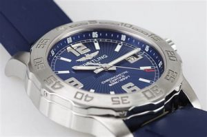 The 44 mm fake Breitling Colt A7438710 watches have blue dials.