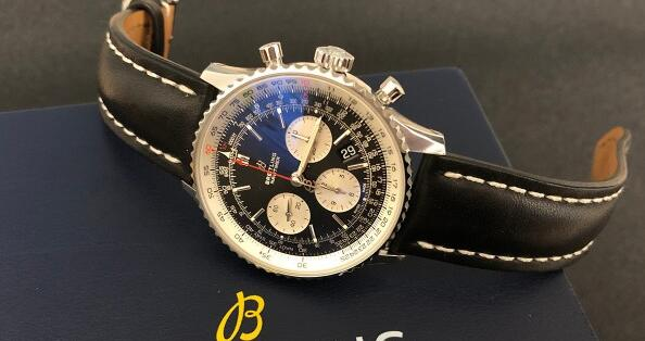The Breitling Navitimer is with the high performance and brilliant appearance.