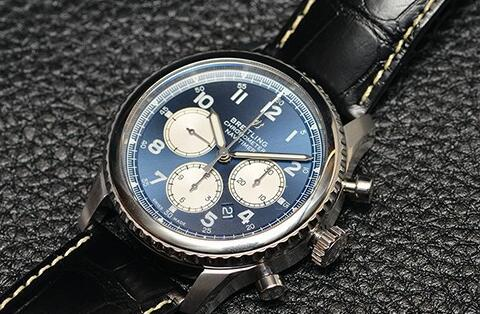 The new Navitimer looks more elegant than the old version.