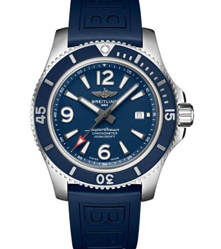 The blue rubber strap adds the dynamic touch to the timepiece.
