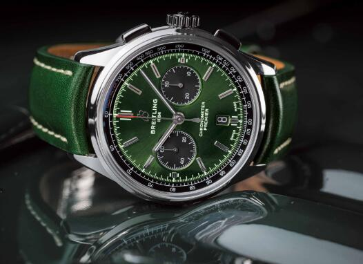 The green tone endows the timepiece with amazing appearance.