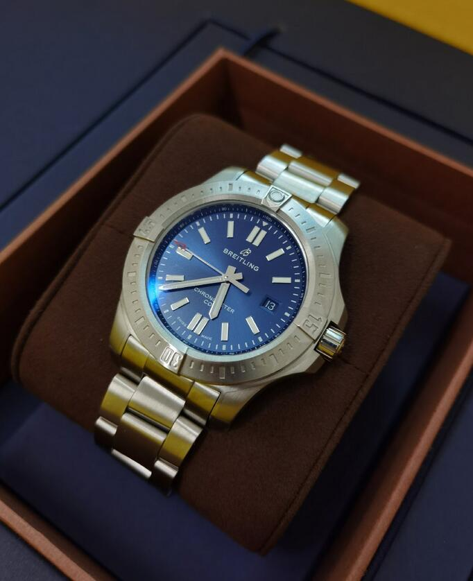 Replica watches for sale are waterproof to 200 meters.